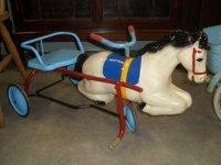 ホース型 ペダル三輪車
