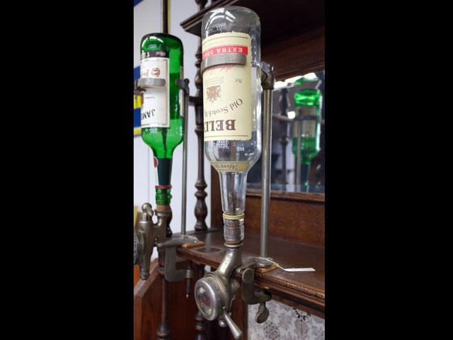 ボトルホルダー&コック 雑貨(パブ・グッズ) カウンター用品