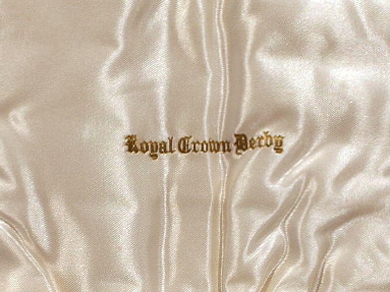 アンティーク その他 カトラリー ロイヤルクラウンダービー(Royal Crown Derby)  ナイフ・フォーク セット箱入り 未使用