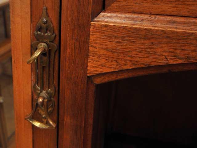 アンティーク 家具 サイドボード・チェスト・ドレッサー ワードローブ&ベットサイドテーブル&ベッド セット商品