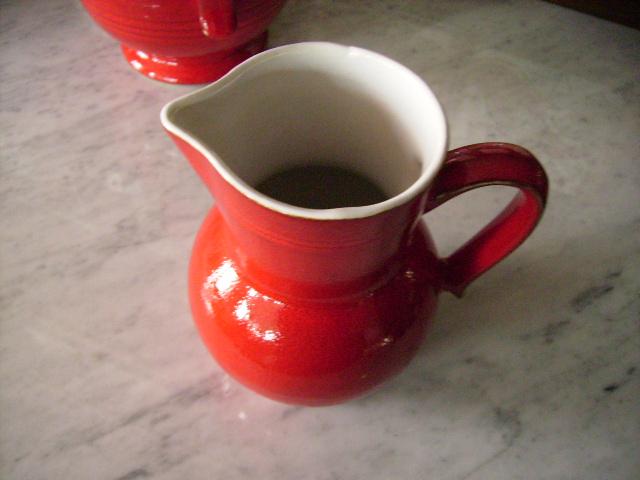 雑貨(キッチン) 雑貨陶器 ウォータージャグ(赤)
