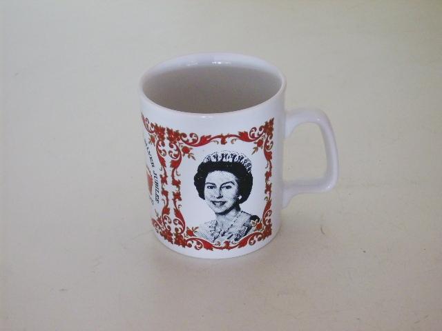 ビンテージ/コレクタブル 英国王室グッズ 英国王室 カップ(エリザベス女王戴冠25周年 Silver Jubileeマグ)