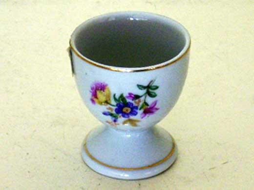 雑貨(キッチン) 雑貨陶器 エッグスタンド