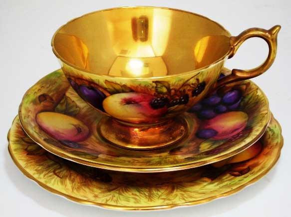 アンティーク 陶磁器 食器 カップ&ソーサー他 エインズレイ(Aynsley)  トリオ 22金