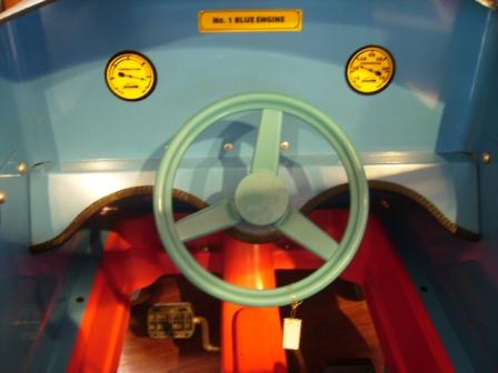 ペダルカー トーマス (シリアルナンバー入り) オモチャ オートモビリア