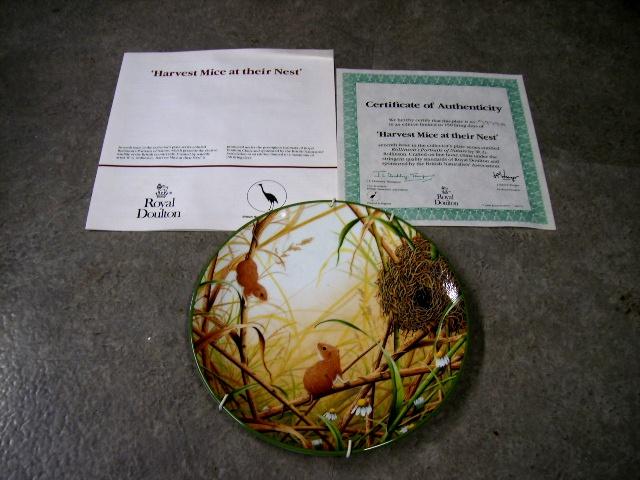 ロイヤルドルトン(Royal Doulton)  ウォールプレート  Harvest Mice at their Nest  箱付き シリアルナンバー入り アンティーク 陶磁器 飾り用プレート
