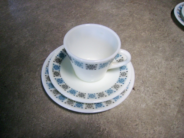 英国JAJ社製(Chelsea) トリオ アンティーク ガラス テーブル&キッチンウェア