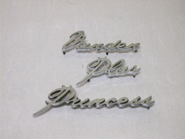 バッジ (リア) バンデン プラス プリンセス セット 純正 未使用 英国車・MINIのレアパーツ エンブレム類(Emblem)