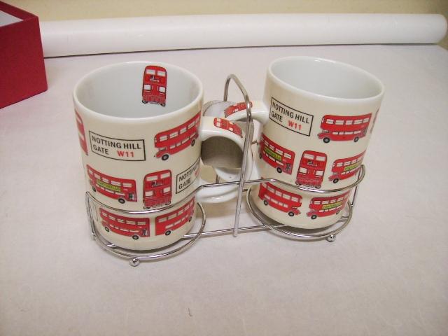 雑貨(キッチン) 雑貨陶器 ロンドンバス マグカップ 2個セット 箱付き 新品