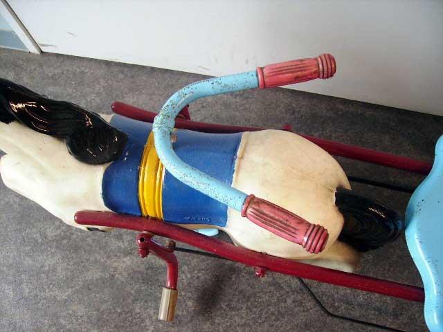 雑貨(ホビー) オモチャ ホース型 ペダル三輪車