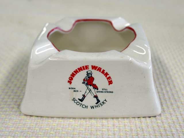 雑貨(パブ・グッズ) 灰皿 灰皿 (Johnnie Waker)白 1960年代