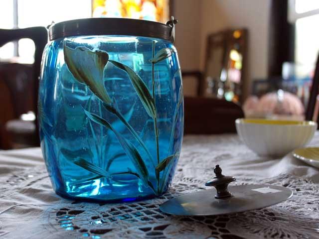 アンティーク ガラス グリーン・ブルー系 ビスケット入れ