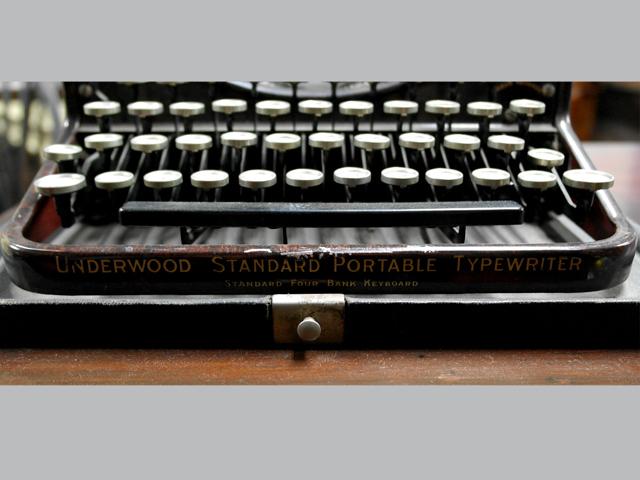 ビンテージ/コレクタブル 機械もの タイプライター  ベークライト