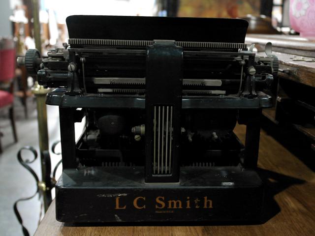 ビンテージ/コレクタブル 機械もの L C SMITH&CORONA タイプライター
