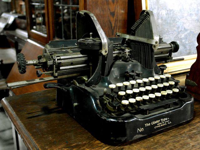 OLIVER タイプライター ビンテージ/コレクタブル 機械もの