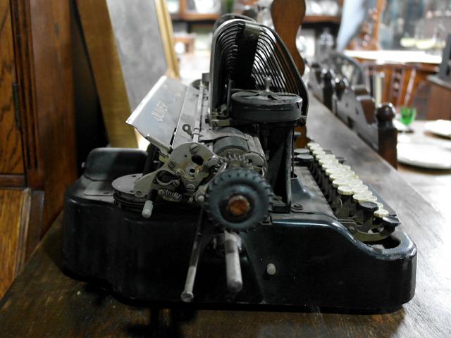 ビンテージ/コレクタブル 機械もの OLIVER タイプライター