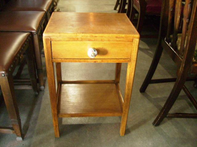 アンティーク 家具 テーブル・ダイニングセット ベッド・サイド・テーブル