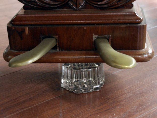 雑貨(キッチン) 雑貨ガラスほか ピアノガラス台 4個セット