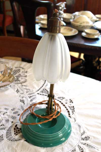 ウェッジウッド(Wedgewood) スタンドランプ 1灯 シェード付き アンティーク 照明 ランプ(すでに組み合わせられている照明)