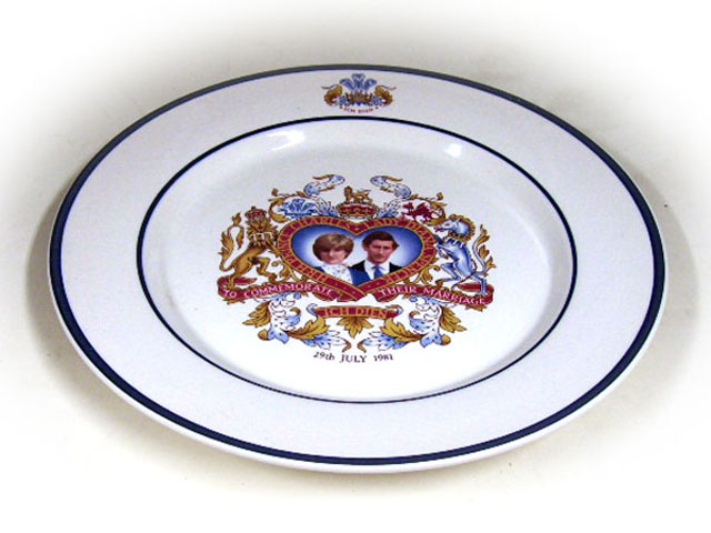 ビンテージ/コレクタブル 英国王室グッズ 英国王室 プレート ダイアナ&チャールズ