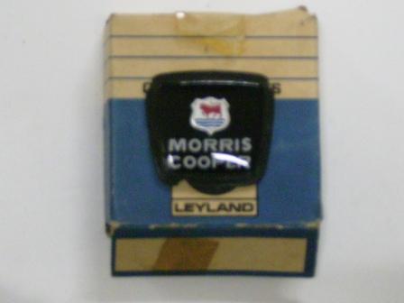 バッジ (フロント) Morris Cooper MK2 ALA6518 純正 未使用 英国車・MINIのレアパーツ エンブレム類(Emblem)