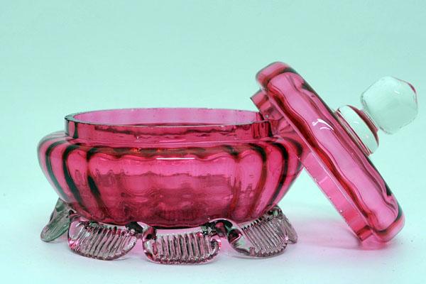 アンティーク ガラス 赤系 クランベリー・ルービーなど ガラス器(ボンボン入れ)