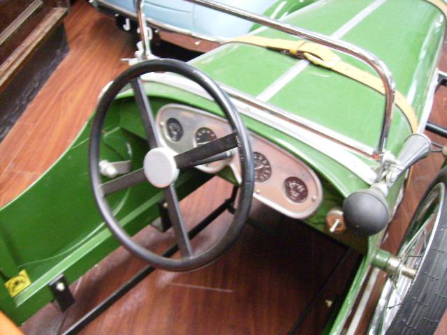 ペダルカー Bentley 4 1/2 Litre ベントレー 4 1/2 リッター オモチャ オートモビリア