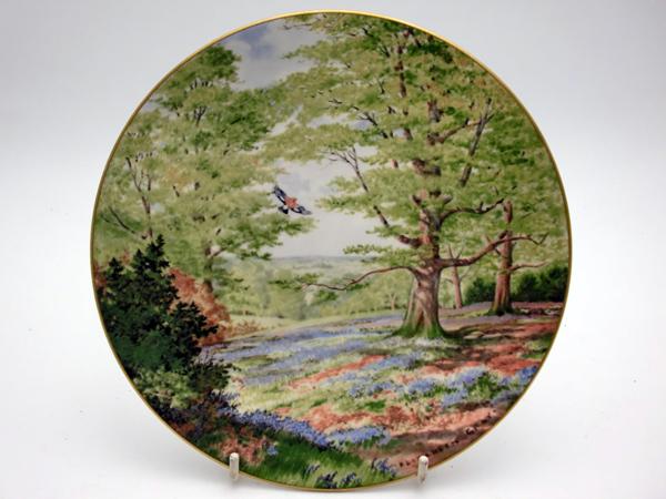 ロイヤルドルトン(Royal Doulton) 飾り皿 Elizabeth Gray Among the Bluebells 飾り用プレート