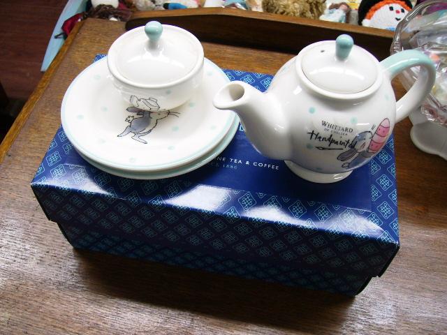 雑貨(キッチン) 雑貨陶器 ウィッタード ポット&プレートx2&シュガーポット