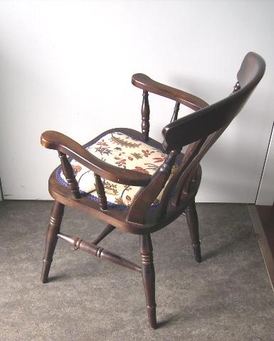 アンティーク 家具 チェア・ソファー アームチェアー ローラアシュレイ(LAURA ASHLEY)の生地で張替え