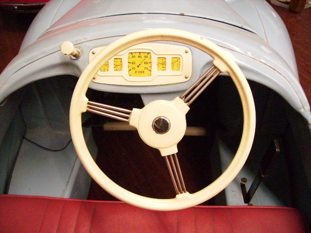 ペダルカー Austin J 40 オースチンJ40 オモチャ オートモビリア
