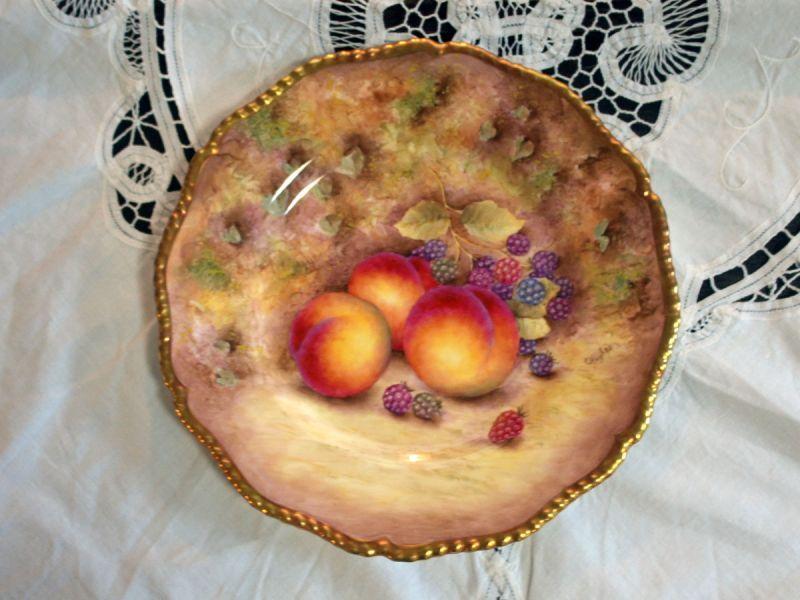Royal Worcester(ロイヤル・ウスター)社「Orchard Fruit /オーチャード(果樹園)の フルーツ」
