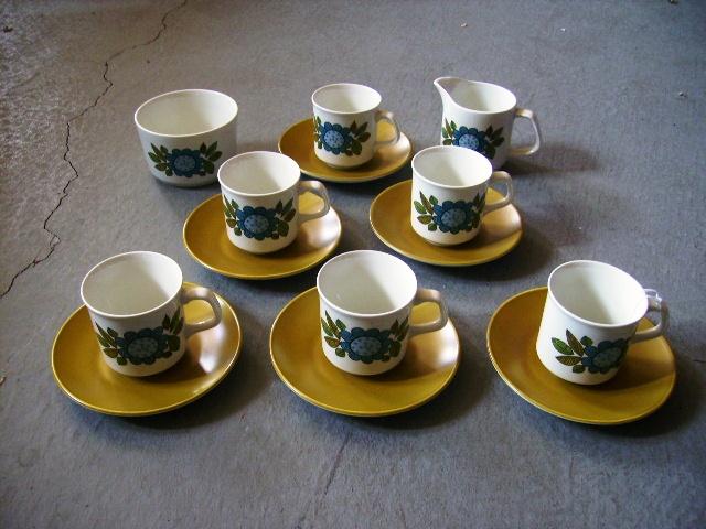 J&G Meakin(ミーキン) STUDIO コーヒーカップセット カップ&ソーサー6客・シュガーボール・ミルクジャー 雑貨(キッチン) 雑貨陶器