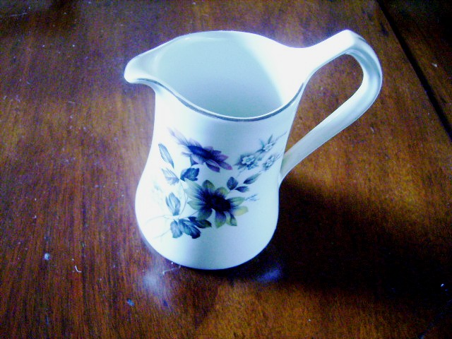 雑貨(キッチン) 雑貨陶器 バーレイ社 ミルクジャー(小)