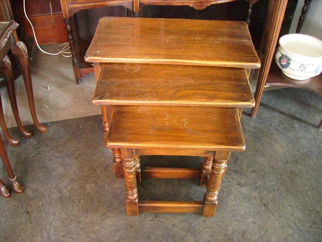 アンティーク 家具 テーブル・ダイニングセット ネストテーブル