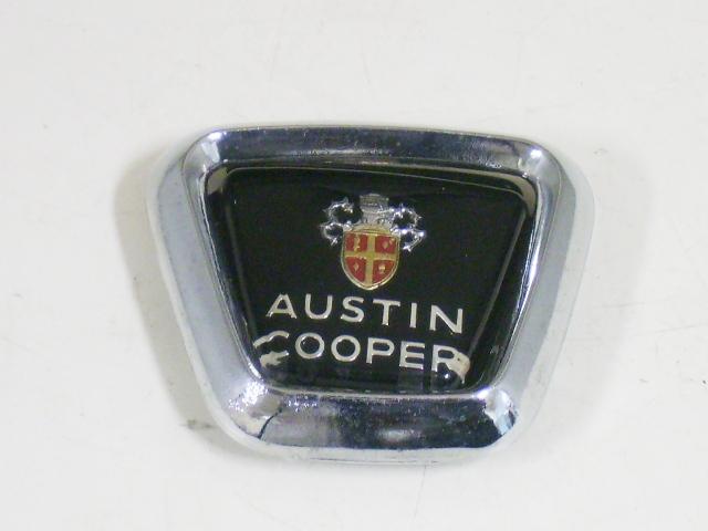 バッジ (フロント) オースチン クーパー MK-2 オリジナル 純正 新品 ベゼル付き 英国車・MINIのレアパーツ エンブレム類(Emblem)