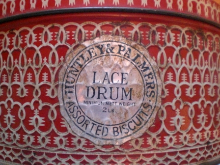 雑貨(ホビー) ティン(缶) LACE DRUM HUNTLEY&PALMERS・BISCUITS