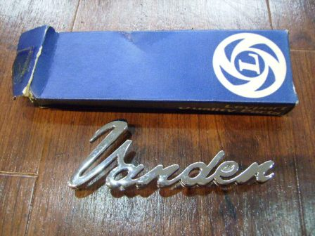 バッジ Vanden 英国車・MINIのレアパーツ エンブレム類(Emblem)