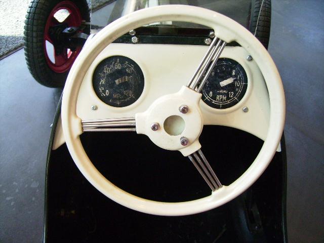 ペダルカー Austin Pathfinder オースチン パスファインダー オモチャ オートモビリア
