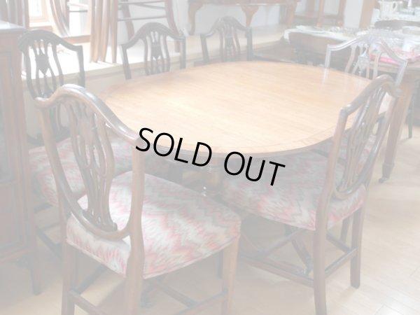 画像2: テーブル