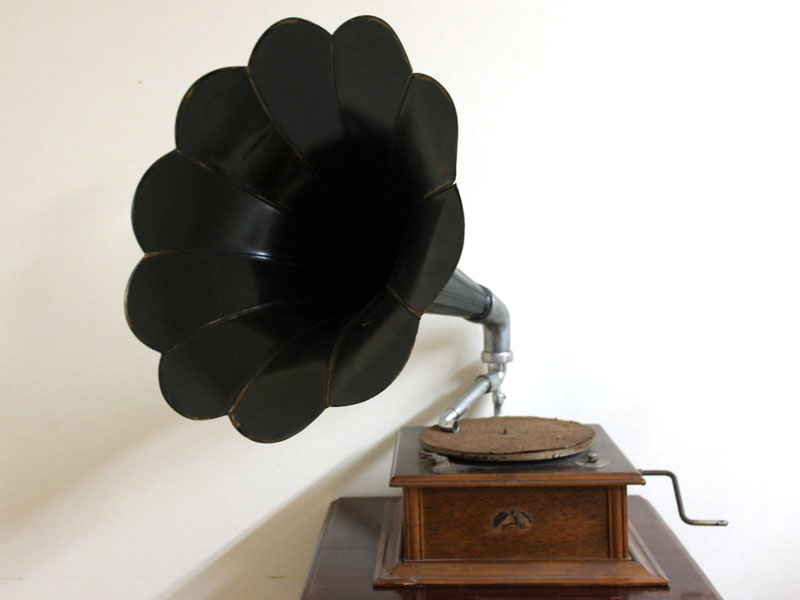 画像1: 蓄音機 His Master's Voice