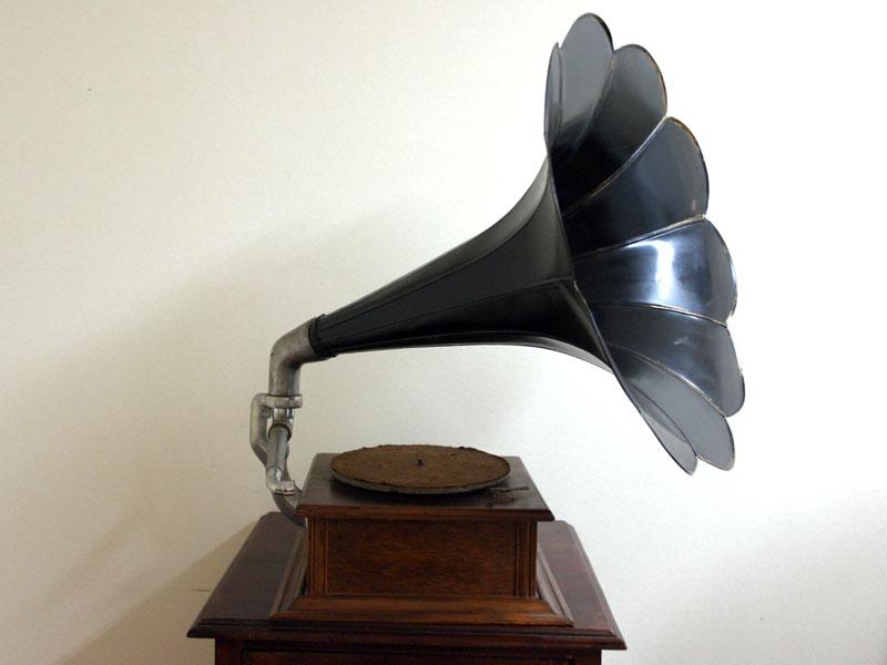 画像3: 蓄音機 His Master's Voice