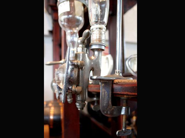 画像4: ウィスキーボトル・ホルダー&コック&プレート