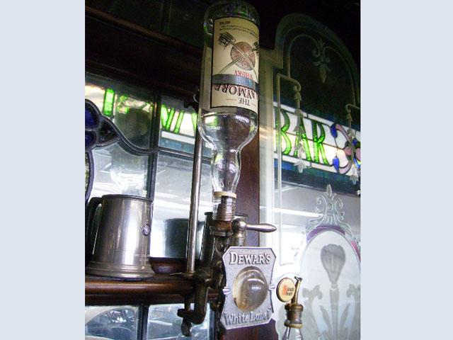 画像1: ウィスキーボトル・ホルダー&コック&プレート