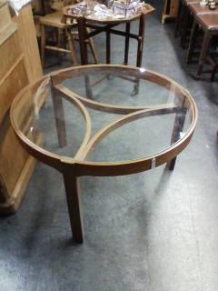 画像1: テーブル(中)