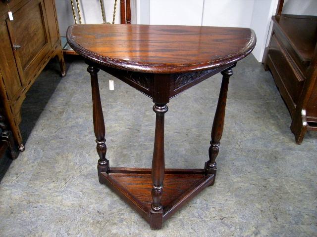 コーナー・テーブル(ラウンド) アンティーク 家具 テーブル・ダイニングセット