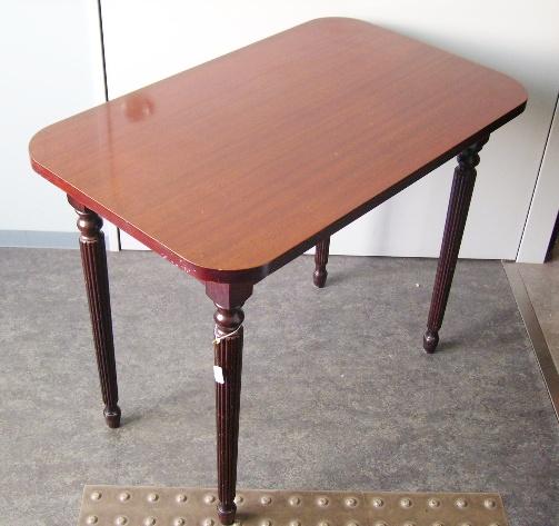 画像4: パブ テーブル