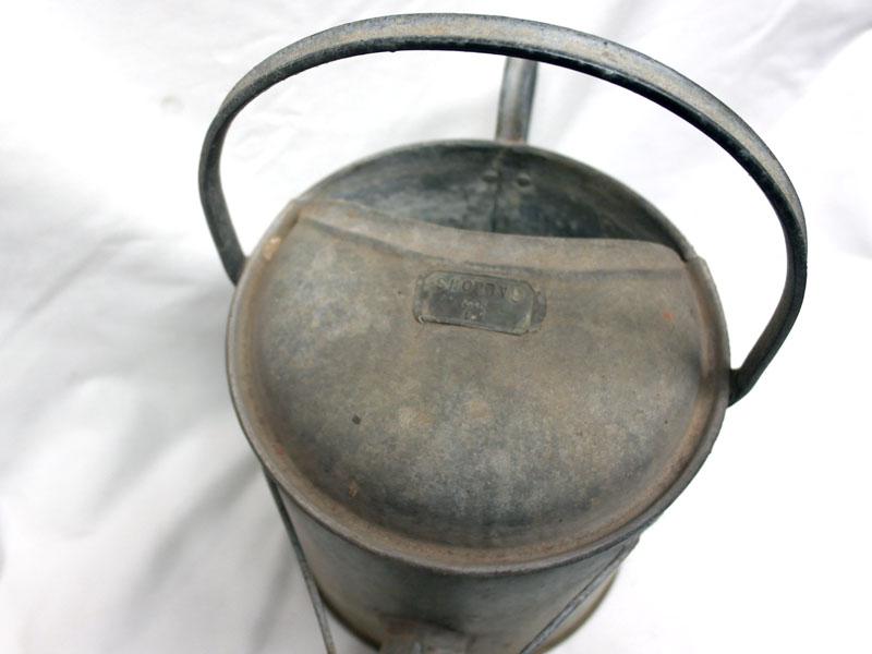 画像2: ブリキ ジョウロ 1-1/2ガロン(約6.8リットル)