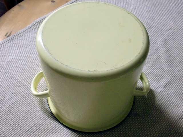 画像4: ホウロウ 鍋 蓋付き クリーム色