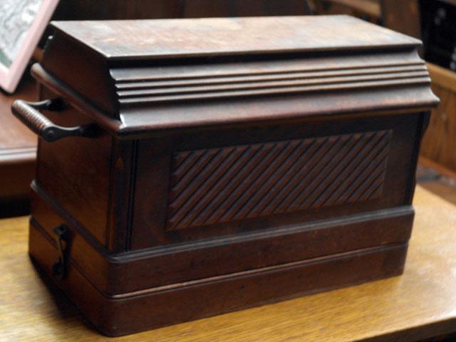 画像2: SINGER 手動ミシン 木箱付き